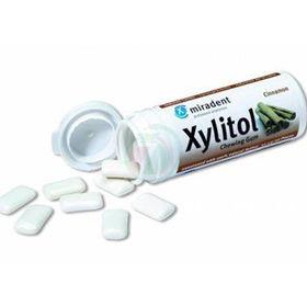 Slika Xylitol varovalni žvečilni gumi s 100 % xylitola z okusom cimeta, 30 žvečilnih gumijev
