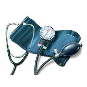 Slika Pic merilec krvnega tlaka z manometrom (+ pripomočki)