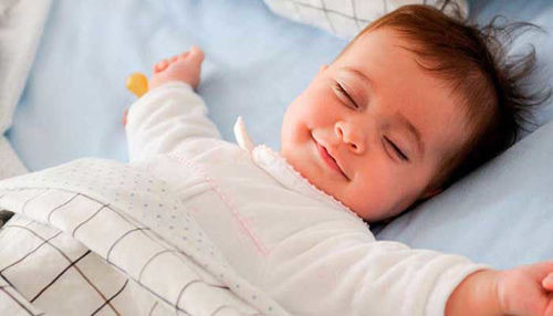 Kako pripraviti otroka, da prespi noč?